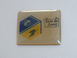 Pin's LA POSTE, DON DU SANG - Postes