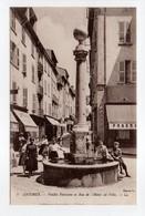 - CPA ANTIBES (06) - Vieille Fontaine Et Rue De L'Hôtel De Ville (belle Animation) - Editions Lévy N° 3 - - Antibes - Vieille Ville