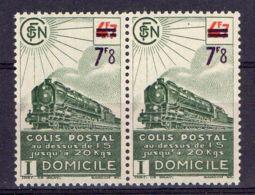 FRANCE (  COLIS POSTAUX ) : Y&T N°  228A  EN  PAIRE  TIMBRES  NEUFS  SANS  TRACE  DE  CHARNIERE . - Paquetes Postales