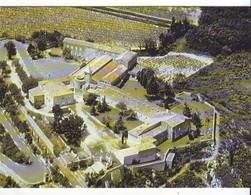 CPM/CPSM - ROCHEFORT DU GARD - Vue Aérienne -Foyer De Charité : Sanctuaire De Notre Dame De Grâce - Rochefort-du-Gard