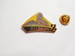 Superbe Pin's En EGF , Ski , Salomon 92 , JO Jeux Olympiques Albertville 92 , Non Signé - Giochi Olimpici