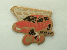 PIN'S RENAULT CLIO ROSE - Renault
