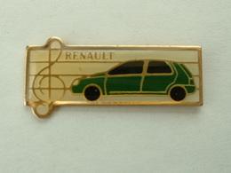 PIN'S RENAULT CLIO VERTE - Renault
