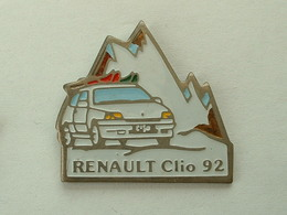 PIN'S RENAULT CLIO 92 - Renault