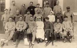 CARTE PHOTO HÔPITAL MILITAIRE TEMPORAIRE NUMÉRO 8 VALENCE - Regiments