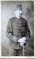 C . D . V   D'un Officier De Cavalerie Francaise Avec De Belle Moustache Et Sont Sabre - Guerre, Militaire