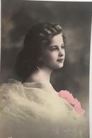 (337) Mooi Meisje Met Roze Bloemen - Fêtes - Voeux