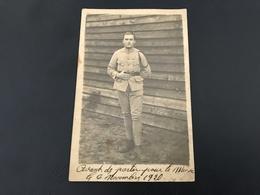 Carte Photo Soldat Français Avant Depart Pour Le Maroc - 1920 - Uniforms