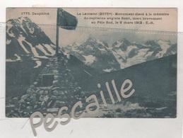 05 HAUTES ALPES - CP DAUPHINE - LE LAUTARET - MONUMENT ELEVE A LA MEMOIRE DU CAPITAINE ANGLAIS SCOTT MORT POLE SUD 1912 - Autres Communes