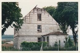 78-Poissy - Photo Maison De Fer En 1995 ( Construite En 1889 Selon Procédé De Tôles Embouties De Joseph Danty) - Lieux