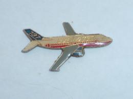 Pin's AVION BOEING 737 - Avions