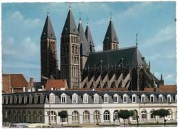 Belgique Tournai La Cathédrale Les Cinq Clochers (2 Scans) - Tournai