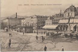 NICE  06   La Place Massena Tres Tres Animée Et Le Casino Municipal Et Attelages Et Voitures - Plazas