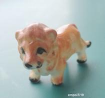 LION  Miniature En Porcelaine - Tiere