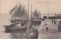 Bv - Cpa  PORT LOUIS - Bateaux Pêcheurs à Quai - Port Louis