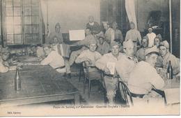 CPA - Foyer Du Soldat, 11è Cuirassier - Quartier Dupleix - PARIS - Personnages