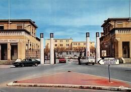 Lyon 3 Hôpital Edouard Herriot Grange Blanche Voitures Citroën Ami Ford ? Alfa Romeo - Lyon