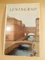Leningrad. A Set Of 16 Postcards 1972 - Denkmäler