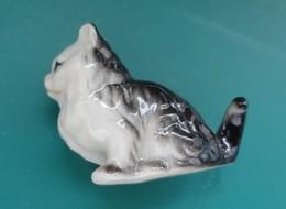 Petit CHAT Miniature En Porcelaine - Animaux