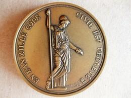 Médaille En Bronze NAPOLEON I. Code Civil 1804. Collection Impériale - Autres