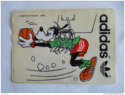 Sticker Autocollant Goofy Adidas Basket 13 X 9 Cm - Autocollants
