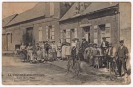 """La Neuville-sur-Ondeuil (60) - Café De La Place """"Aux Couleurs Nationales"""", Publicité Byrrh Sur La Façade, Etc... - Other Municipalities"""
