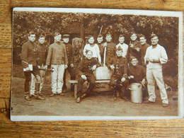 MILITARIA+BRASSCHAET:PHOTO CARTE DE SOLDATS BELGES VIVE LA CLASSE 1909 AVEC EUGENE ORMAN 2EME REG D'ARTILLERIE - Personen