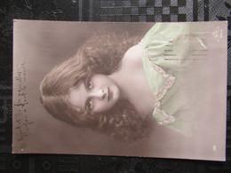 CP JEUNE FILLE  = POSTCARD BEAUTIFUL YOUNG GIRL - Portraits