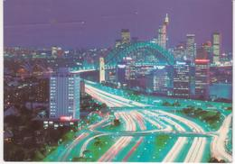 °°° 13392 - AUSTRALIA - SIDNEY - LOOKING DOWN THE BRADFIELD HIGHWAY TO THE CITY AT DUSK - 1987 With Stamps °°° - Sydney