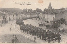 PIERRE-la-TREICHE. - Défilé Militaire - Otros Municipios