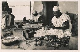 Real Photo Savetier Haoussa Oubangui  Shoemaker Edit Pauleau Douala - Centrafricaine (République)
