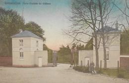 BEAUMONT. BARBENCON.  PORTE D'ENTEE DU CHATEAU.  ANIMATION - Beaumont