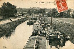 SEDAN - Péniche Le Canal Beau Plan Sur Les Nombreuses Péniches - Sedan
