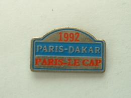 Pin's PARIS DAKAR - PARIS LE CAP 1992 - Rallye