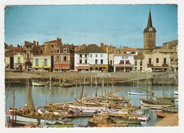 85 Les Sables D'Olonne N°162 Port La Chaume En 1966 Cales Réservées Aux Sardiniers Droguerie Télé Ouest Peugeot 404 - Sables D'Olonne