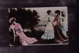 QUATRE FEMMES - Cartes Postales