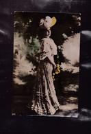 UNE  FEMME - Cartes Postales