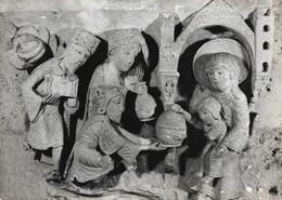 71 Autun La Cathédrale Adoration Des Mages (2 Scans) - Autun
