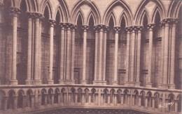 50 – COUTANCES : La Cathédrale - La Galerie De La Tour Centrale - Coutances
