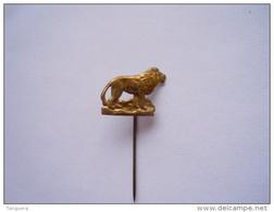 Speldje Eplinglette Leeuw Lion  2 X 1,5 Cm - Dieren