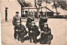 Très Rare Carte-photo Tankistes En Arme Du 507 RCC Avec Blousons Cuir Et Casques à Bandeau - 1914-18