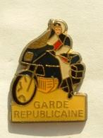 PIN'S GARDE REPUBLICAINE - MOTO - Police