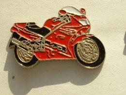 PIN'S MOTO - Honda VFR 750F - Motos