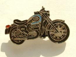 PIN'S MOTO - GSA 500 - Motos