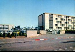 27 - Centre F.P.A. : Lot De 2 CPM - Voitures (Citroên 2CV, Simca Aronde...) - Terrain De Hand-ball - Evreux