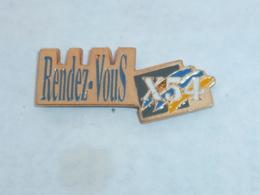 Pin's RENDEZ VOUS PROJET X54, RENAULT - Renault