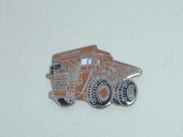 Pin's GROS CAMION HALLPAK - Transports