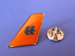 Pin's Hapag Lloyd - Dérive Avion - Allemagne (G63) - Avions