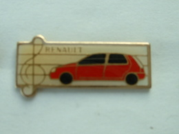 PIN'S RENAULT CLIO ROUGE - Renault
