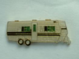 PIN'S CARAVANE - Transports